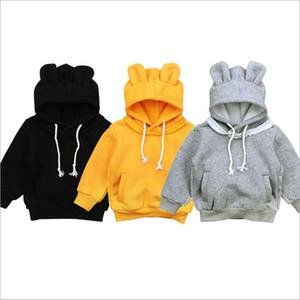 معطف بلوزات بنات طفل الشتاء هوديس الدب آذان طفل سترة مقنع الصلبة للأطفال الرضع القمم بنين مصمم البلوز ملابس الطفل B6331