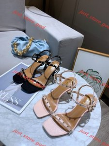 Women's transparent sandals with pointed toes xia 2019 new word with water diamond sexy baotou heels xshfbcl