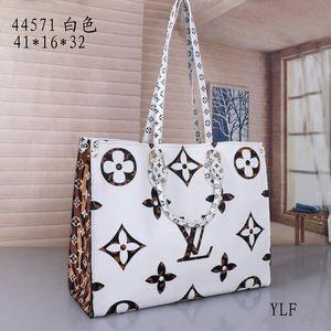 Designer-Handtaschen Luxurys Handtaschen Qualitäts-Dame-Kette Schultertasche Lackleder Diamant Luxurys Abendtaschen Kreuzkörper BagY49