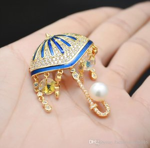 Pearl Tassel Umbrella Brooch with Crystal Pins For Suits Dress Banquet Sweater Wedding Party Brooches Jewelry For Men Women