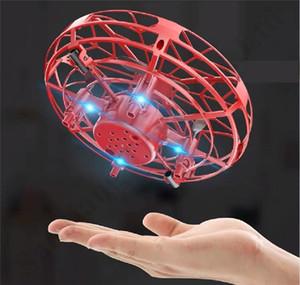 Avec boîte UFO GESTURE induction Flying Soucoupe anti-impact Mini avion Smart Aircraft avec des lumières LED Airplane Toy Kids Noël cadeaux A112004