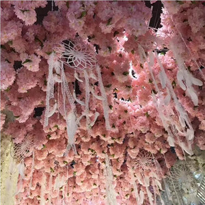 Quatro hastes com folha verde Artificial Flor De Cerejeira Ramo Falso Sakura Flor Haste mais cabeças de flores 5 Cores para Decoração de Casamento