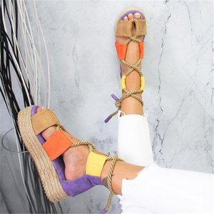 2019 mujeres de la plataforma plana de la rigidez de las sandalias de la cuerda zapatos cruzados atados de la playa de las mujeres sujetan los zapatos talón sandalias cómodas