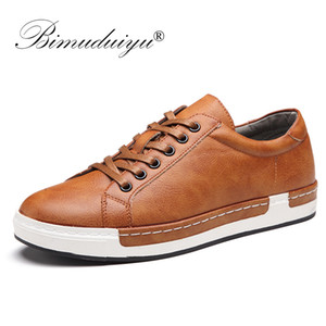 BIMUDUIYU Handmade calçados casuais Men Marca Masculino sapatos de amarrar Retro respiráveis Shoes PU Leather Flats Oxford Calçado