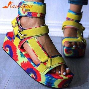 Karin Design For Drop ship 2020 Big Taille 44 INS Flat Plate-forme Sandales mode multi couleurs d'été Chaussures Femmes