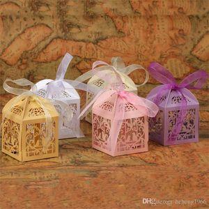 Nefis Aşk Kalp Şekli Düğün Töreni Parti Çikolata Şeker Kutuları Hollow Çıkan Hediye Paketi Şeker Kutusu Şerit Torbaları 0 42lc Favor
