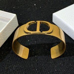 2020 novo designer de luxo mulheres de jóias pulseiras bracelete de letra de bronze pulseira de alta qualidade de designer do vintage de luxo com caixa