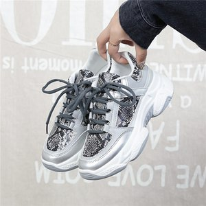 2019 Nouveau Chaussures Femmes 36-42 Plate-forme Blanc Sneakers Chaussures Casual respirante douce Femme Shose Sequin Tissu Zapatillas Mujer PU