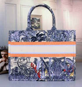 2020 Новая мода сумки конструктора печати вышивки Multicolor Одноместный плеча большой емкости ковша мешок Перевозка груза падения