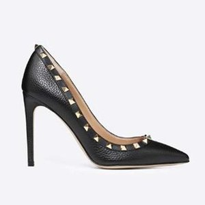 2020 Pointed Toe Studs high heels Patent Leather rivets Sandals Women Studded Strappy Dress Shoes valentine high heel Dress Shoes dl8