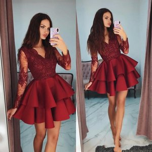 Red barato curto Mini escuro A Linha Vestidos Homecoming V Neck Lace Applique frisada mangas compridas Tiered Ruffles Satin Cocktail Party Prom Vestidos