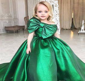 Sevimli Zümrüt Yeşil Kızlar Pageant Elbise Prenses Çocuk Yürüyor Parti Balo Balo Kısa Pretty Küçük Kid Için