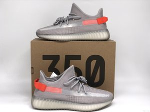 Mens Tail light Designers Running Shoes Lightweight Grey Kanye West V2 Fashion Sport Zapatos Women Sports Sneakers