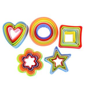 5 개 플라스틱 금형 점토 쿠키 금형 세트 비스킷 커터 금형 세트 꽃 스타 심장 모양 다채로운 케이크 무스 금형 주방 도구 DBC VT0663