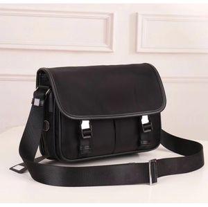 Ausgezeichnete Qualität Cross Body Tasche Männer Handtasche Canvas Messengerbag für wasserdichte Umhängetasche Fallschirm Stoff Tasche Großhandel Ranzen Männer