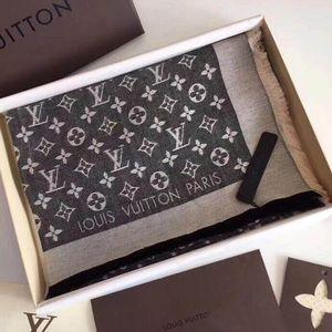 VENDITA CALDA con la scatola 140 * 140CM Sciarpe di seta Euro Marca Designer francese Motivo floreale Stampato regalo donne sciarpe di seta