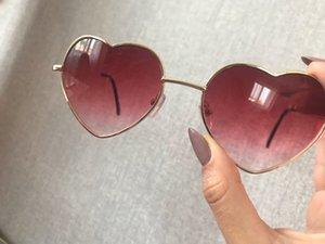 2020 Heart Shaped Sunglasses de metal Mulheres grife Lentes Moda aro AMOR Limpar Oceano óculos de sol UV400