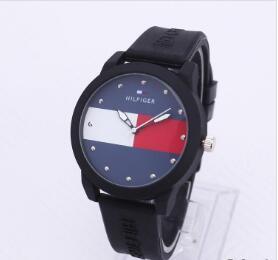 Бесплатная доставка оптом! Американский досуг Мужчины и женщины спортивной моды простые кварцевые часы стол студент силиконовый ремешок часы