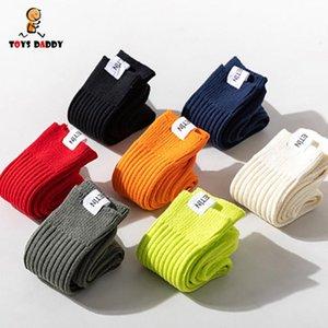 Moda Canlı Renkler Çiftler Çorap Pamuk Mans Lady için İngiliz Tarzı Çok Renkli Week için Katı Renk İş Çorap
