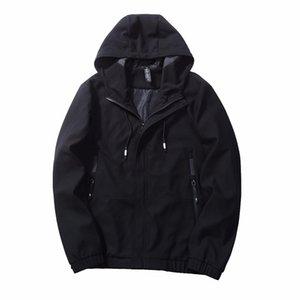 Camuflaje del ejército Hombres Chaqueta con capucha de color sólido Chaqueta táctica Primavera Otoño Nueva Streetwear Soft Shell Jacket Hunt Clothes