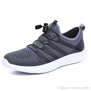 2020 New Fashion runners mens Running shoes Black Grey sports trainers women designer sneakers Homemade brand Made in China 19 size 39-44