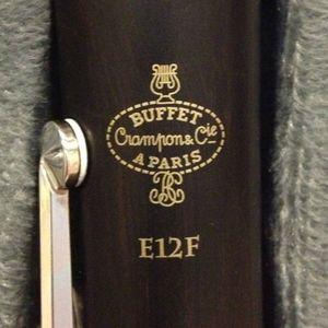 Buffet Modèle E12F Crampon Clarinette Professionnel Clarinettes Sib Bakélite 17 Touches Instruments de Musique avec Etui Embouchure Anche