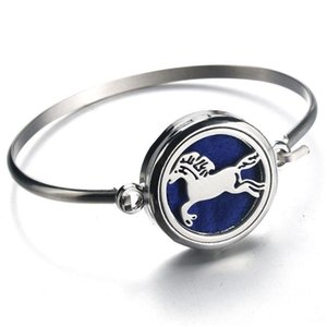 Diffuser Locket Bracelet Horse Stainless Steel Bangle Magnetic Randomly Send 1pcs Oil Pads as Gift 010101