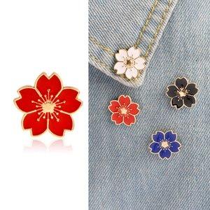 De estilo japonés de muy buen gusto y el viento hermosas niñas cuello Cherry Blossom Pin Uniformes goteo Placa Flores collar broche para mujer Ropa para Hombres