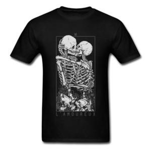 Aşıklar Tatlı Öpücük Kafatası Tshirts Hug Me Saf Pamuk Çift İskelet Kafatası Tişörtlü Erkekler Paskalya Günü Ölüm Punk Tarzı T Gömlek