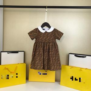 Una pieza chica de moda al por menor del bebé letetr vestidos para niños vestido de la princesa ropa para niños verano de la muchacha