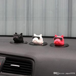 Profumo dell'automobile Ornamenti Bulldog auto Aromaterapia creativo cruscotto auto della decorazione Bull Dog Deodorante Interior
