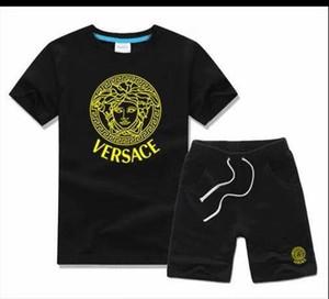 Chicos y chicas de diseño para bebés Camisetas y pantalones cortos de marca Trajes Chándales 2 Ropa para niños Set Venta caliente Moda Verano Niños T5243