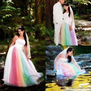 Abiti da sera 2018 colorato arcobaleno gotico abiti da sposa all'aperto senza spalline rosso viola blu abiti da sposa esotici Robe de mariage