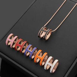 Европа Америка стиль Леди титана стали гравировать H письмо 18K золото змея цепи ожерелья с овальной формы шесть цвет эмали кулон 3 цвета