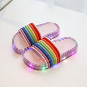 Sommer-neue LED Blinklicht Jelly Regenbogen Sandalen weiche Unterseite Leaky Toe Fisch-Mund-Baby-Kinder Pantoffel