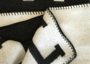 Letra H Cashmere Cobertor Crochet Lã Scarf Shawl Portátil Quente Plaid Sofá-cama velo de malha Lance Towell Cabo Rosa Blanket