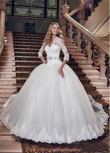 Vintage con scollo a V indietro tagliate lungo Lace-Up Abiti da sposa Charme Bianco Francia Lace 3/4 pallone manica vestiti da cerimonia nuziale