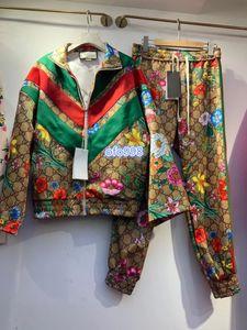 High-End-Frauen-Hosen-Anzug Tops Jacke Langarm Stehkragen Blumenmuster Buchstabedrucken Strickjacke oben und beiläufige Hosenanzug