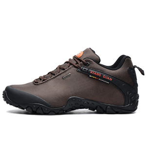 2020 Nouveau Hommes Chaussures de randonnée Bottes anti-dérapant résistant à l'usure Chaussures de pêche respirant Escalade Chaussures en plein air Livraison gratuite