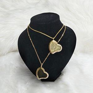 Frete grátis 50 pçs / lote sublimação em branco Colar de metal sublimação jóias coração forma pingente em branco para presentes de promoção personalizados