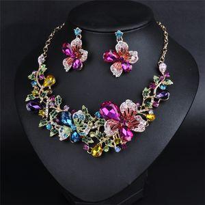 Designer-Diamant-Halskette Schmuckset Kristallblumen-Bolzen-Ohrring-Halskette Set Mode-Legierung übertriebene Frauen-Mädchen-Statement Halskette Set