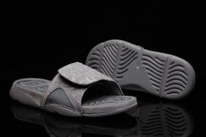 4s x sandales Hydro pour hommes Glow Cool Gris Mode d'été plat épais sandales de plage Slipper Flip Flop chaussures de basket-ball avec la boîte US 7-12