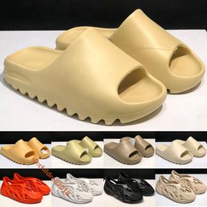 Adidas Kanye West Yeezy Slide Hombres Mujeres Zapatillas 2020 Desert Sand Bone Blanco Foam Runner Resina Tierra Marrón Negro Sandalias de mango Tamaño 5-11