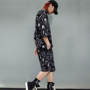 Nuevos juegos de camiseta de manga corta para hombre (t shirt + shorts) Moda Casual Hombre Streetwear Hip Hop Loose Tee Shirts Trajes