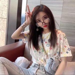 С короткими рукавами студентки корейской версии свободных футболками женского цвета личности печать нижней рубашкой 2020 весенней рубашки с короткими рукавами