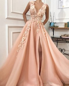 Pink Prom Dress Long V-Neck Appliques Homecoming Dress Flowers Handmade Side Split Tulle Formal Evening Gowns Girl Party Dress