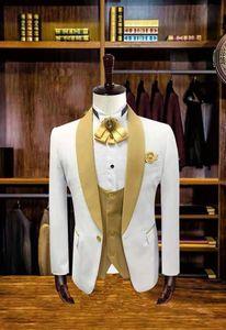 2020 3 Pieces Mens Suits with Pants Slim Fit Wedding Suits MenTuxedo Groom Groomsman Best Man Terno Masculino Jacket Pant Vest