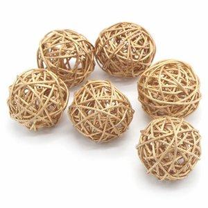 6pcs 3cm / 5cm Goldweinlese-Wicker Cane Ball Weihnachtshausgärten Patio Ornament DIY Ausbaumaterialien
