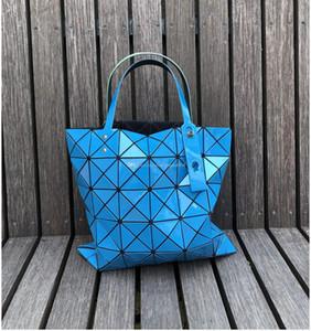 2019 Bao Bao Moda Çanta Lazer Geometri Elmas Şekli PVC holografik çanta Patchwork Kadınlar Totes Omuz Çantası boyutu 34x34cm 0004