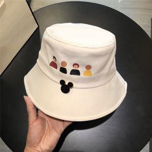 Tasarımcı şapka kapaklar sevimli kova şapka kadın erkek lüks cimri brim şapka moda çift katlanabilir güneşlik kap avangart siyah beyaz hip-hop